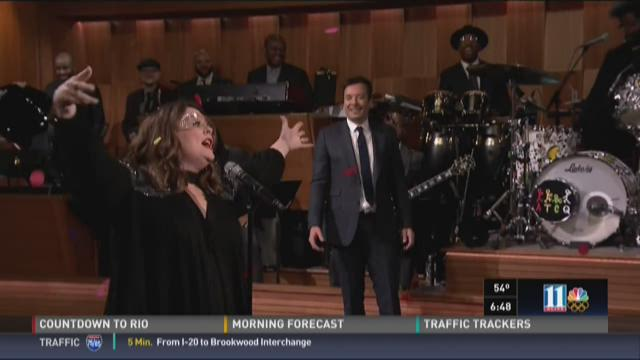 Melissa McCarthy kills Jimmy Fallon in epic lip sync battle