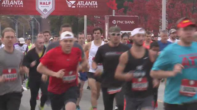 Sold-out Thanksgiving Day race gives back with 12,000 participants