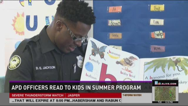 HERO CENTRAL: APD officers read to kids